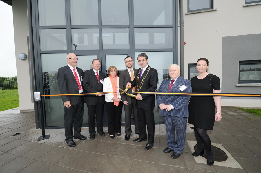 Board members cutting ribbon 20.05.14