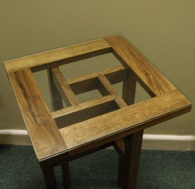 Walnut-Telephone-Table-Dovetail-detail